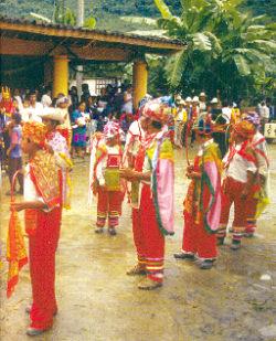 Ciclo Literario Costumbres y creencias de los pueblos indgenas